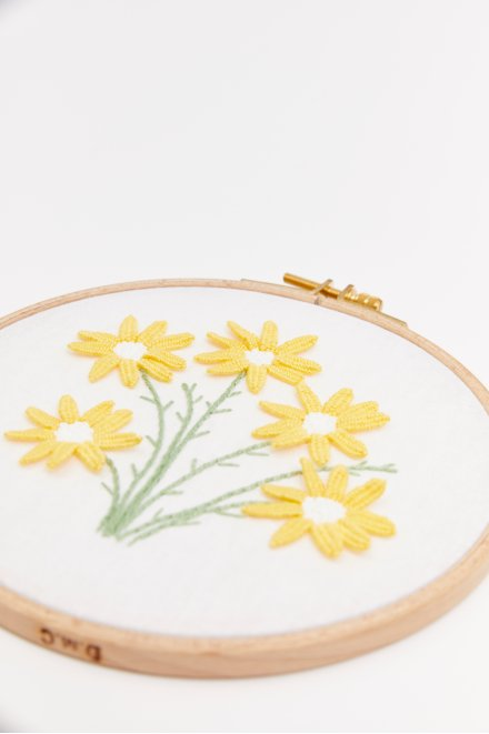 Marguerites sauvages - Motif broderie